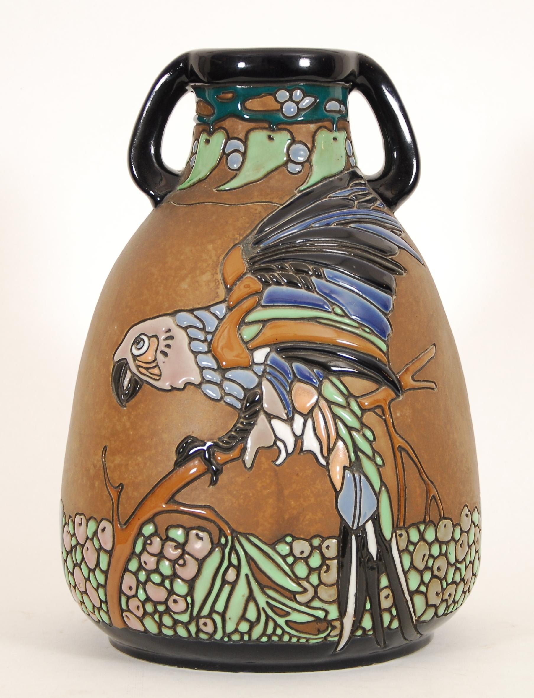 Grand vase pansu à deux anses
